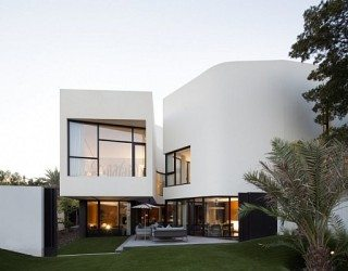 Mop House in Kuwait Looks Marvelous Amidst Spectacular Greenery