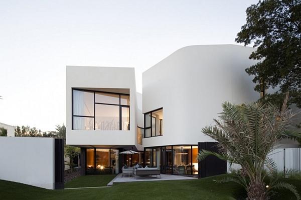 Mop House – white exterior