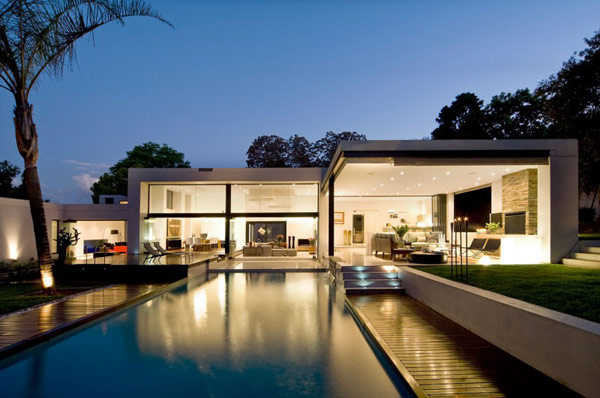 Moss-Oaklands-Residence-large-walls-living-and-outdoor-pool