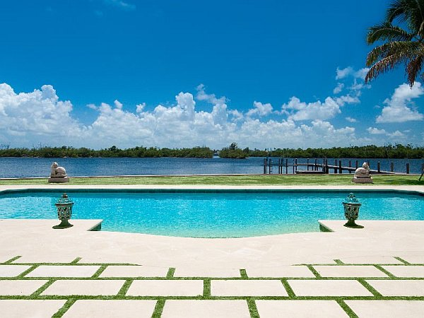 Luxury palm beach mansion selling for an extravagant 38m - Palm beach pool ...