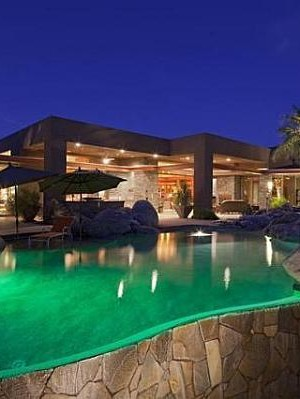 Palm Springs Contemporary Villa