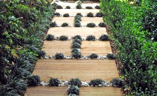 cool garden paths that are off the beaten path