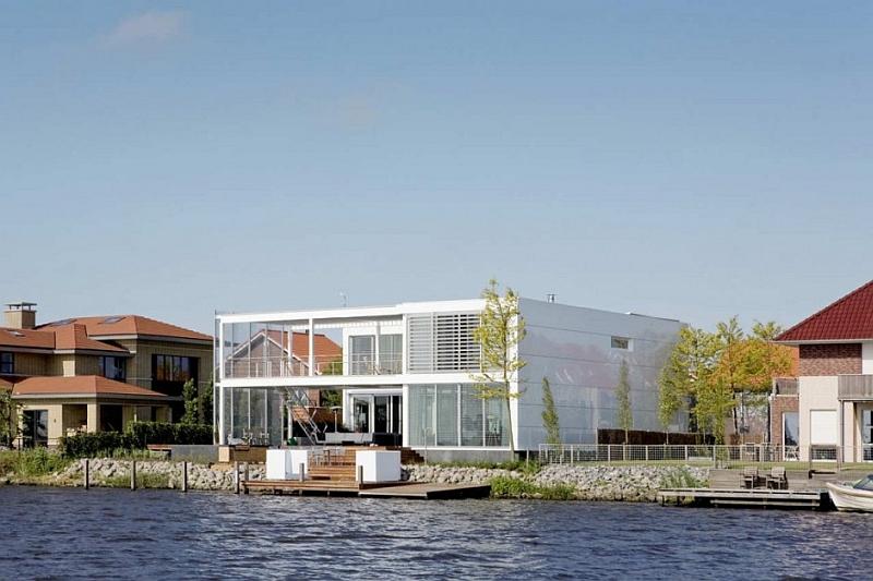 Steel Steady House near water