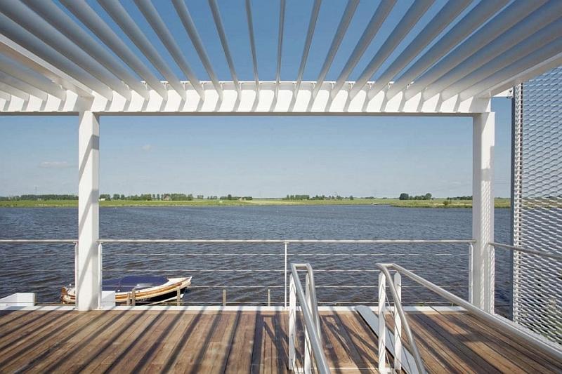 Steel Steady House water pontoon