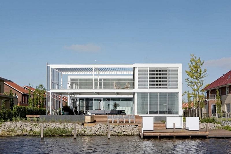 Steel Steady Water House