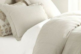 Striped Duvet Covers & Shams For a Fancy Bedroom