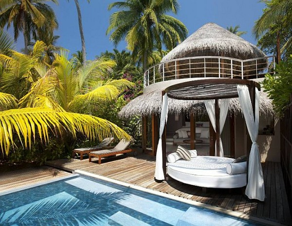 W Retreat and Spa in Maldives baldaquin pool W Retreat and Spa in Maldives Beckons You for the Holidays