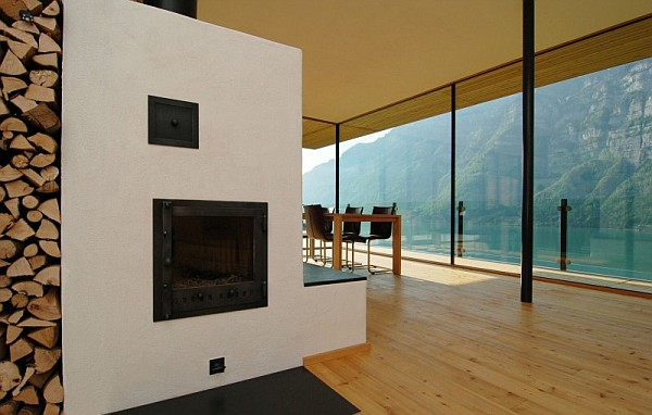 Wohnhaus Am Walensee Swiss House contemporary dining room area