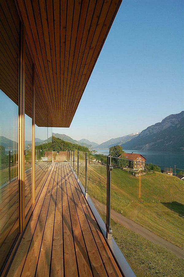 Wohnhaus Am Walensee Swiss House wooden decks with glass