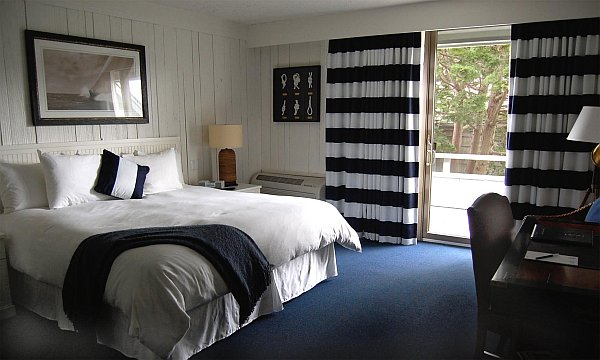 bedroom with nautical theme