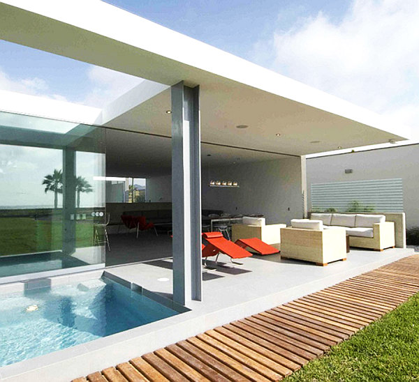 Minimalist white beach house decorating ideas decoist for Minimalist beach house