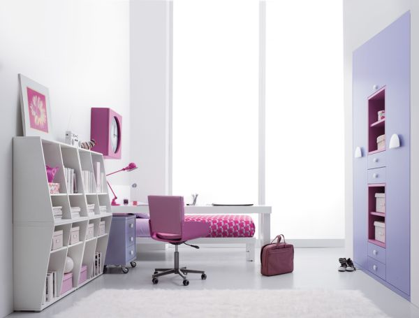 pink-themed-room-decorating-idea-for-teenage-girls