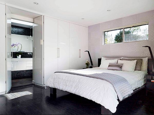 1950s-House-Renovation-white-bedroom-with-artistic-backwall