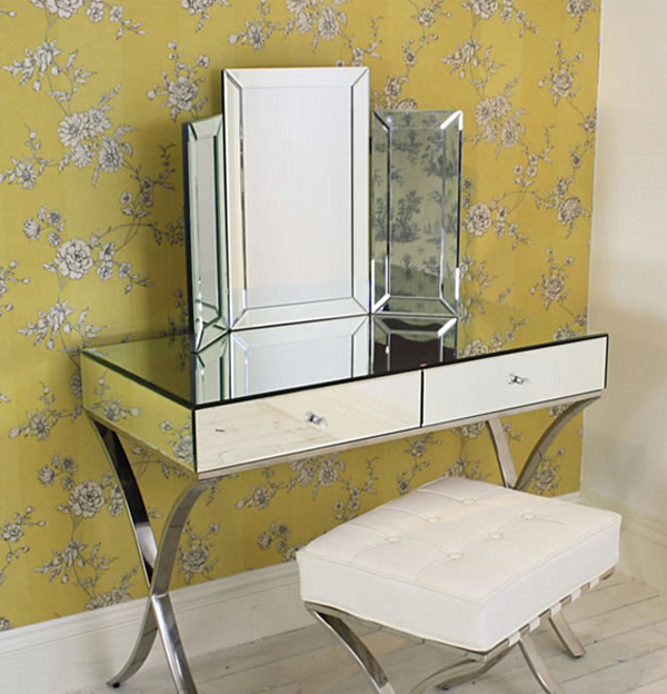 Adding shine with mirrored furniture for Small mirrored dressing table set