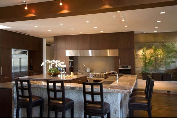 Barker Residence Sun Valley – kitchen with island