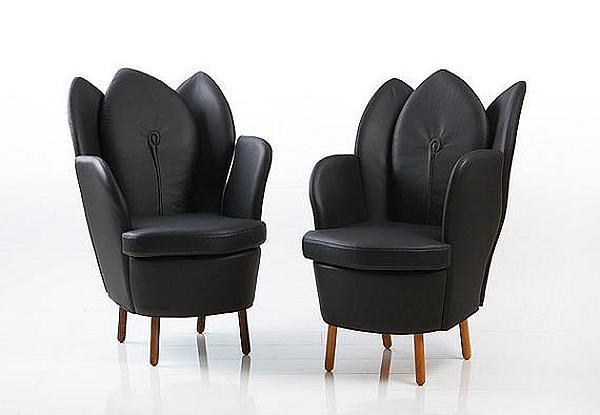 Black-Chair-and-Black-Sofa