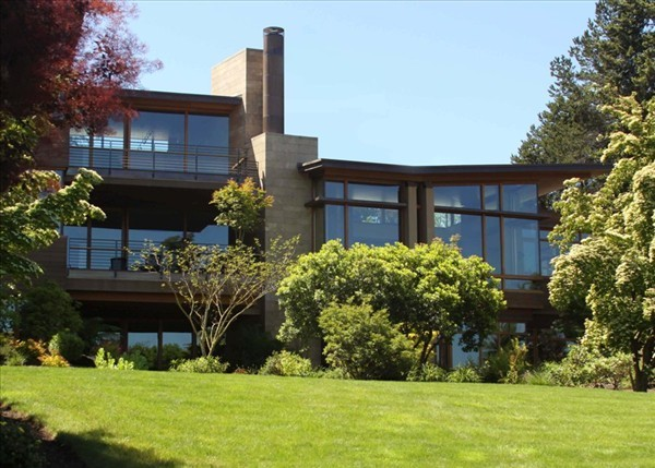 Calkins Point Residence 4 - tiles, wood and windows exterior