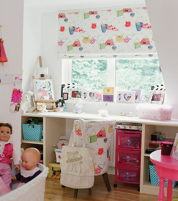 Country Bungalow Ireland - colorful kids room