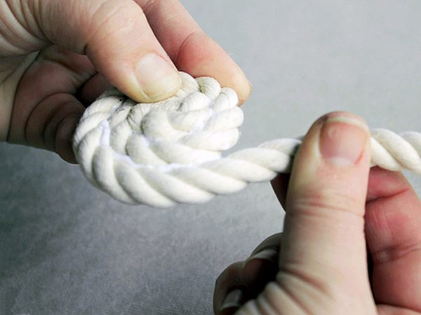 DIY-Coiled-Rope-Basket-4