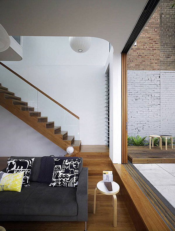 Elliott-Ripper-House-10-chic-wooden-staircase-design