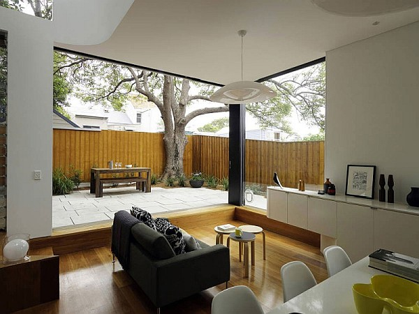 Elliott-Ripper-House-7-modern-living-area-with-sleek-dining-room