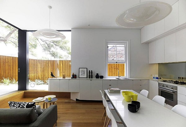 Elliott-Ripper-House-8-open-space-kitchen-with-dining-table