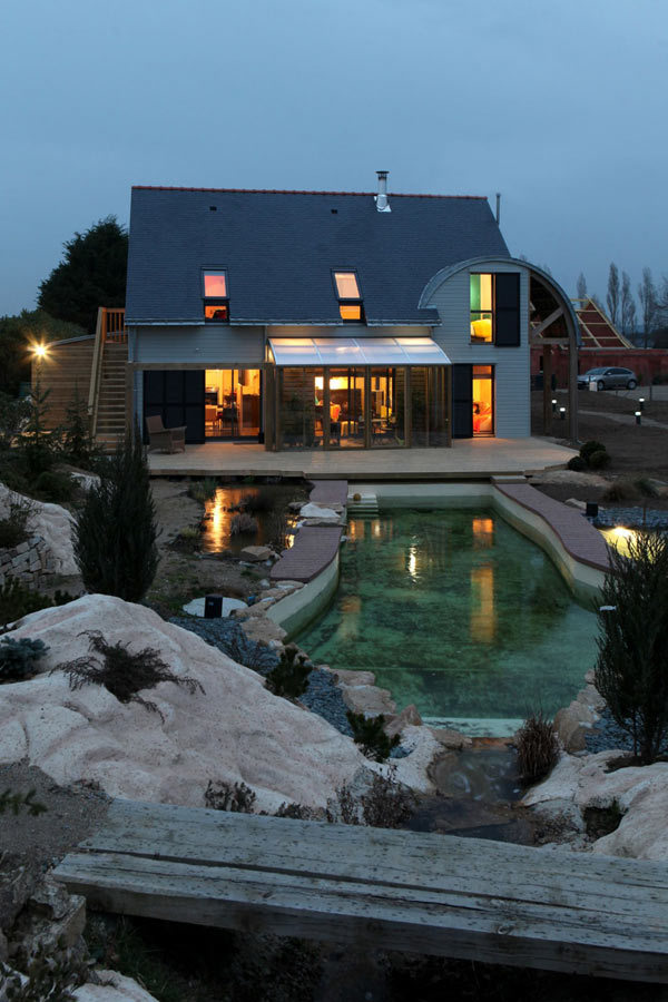 Eco-Friendly House by Patrice Bideau in France