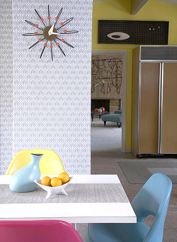 Geo-Temporary-Wallpaper-in-Silver