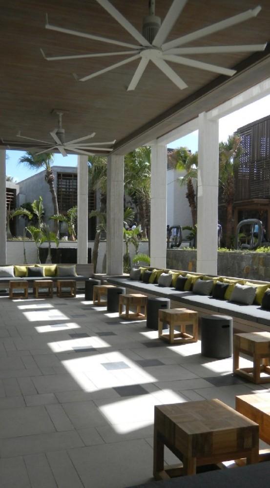 Beach hotel on the eastern coast of mauritius is all about for Interior decoration mauritius