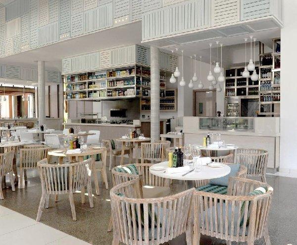 Long beach hotel mauritius vintage restaurant for Kitchen design mauritius