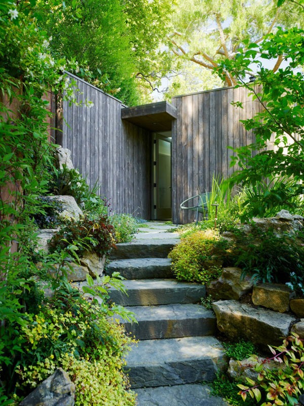 Mill valley cabins addition set in a picturesque landscape for Garden design mill valley