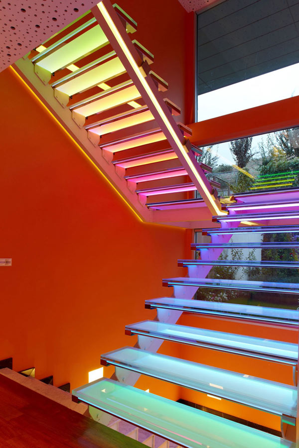Orange House in Turkey – color changing staircase