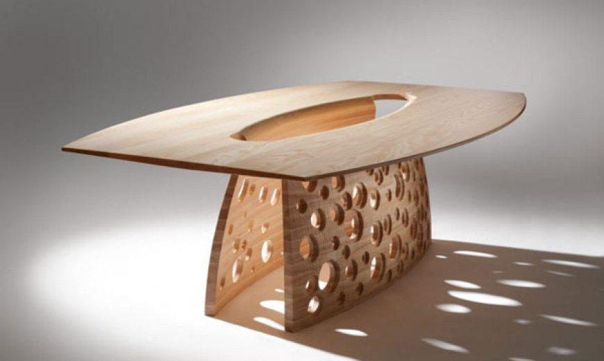 Beautiful Coastal-Inspired SALCOMBE Table