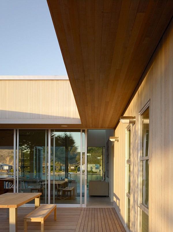 Seadrift Residence  4 – sliding doors, wooden terrace