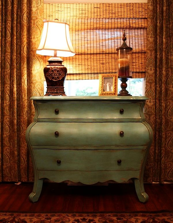 View in gallery - Antique Distressed Furniture For A Fresh Look