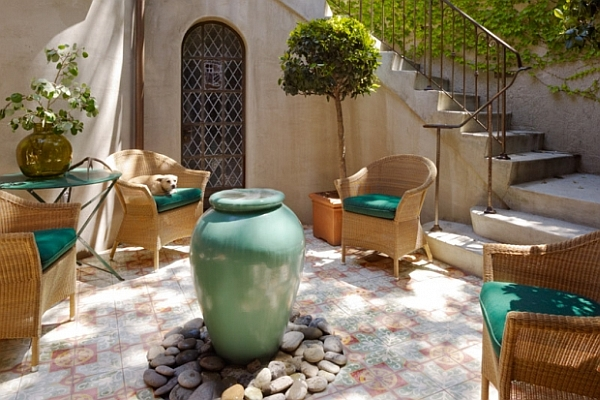 Courtyard Furniture & Decoration Inspiration: Be Creative