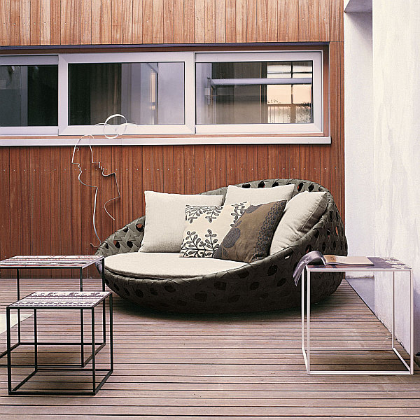 Outdoor design choosing elegant patio furniture for Outdoor furniture designers