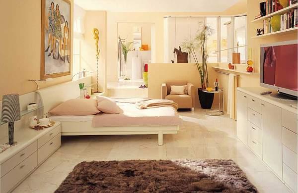 cream-bedroom-decoration-with-luxury-rug