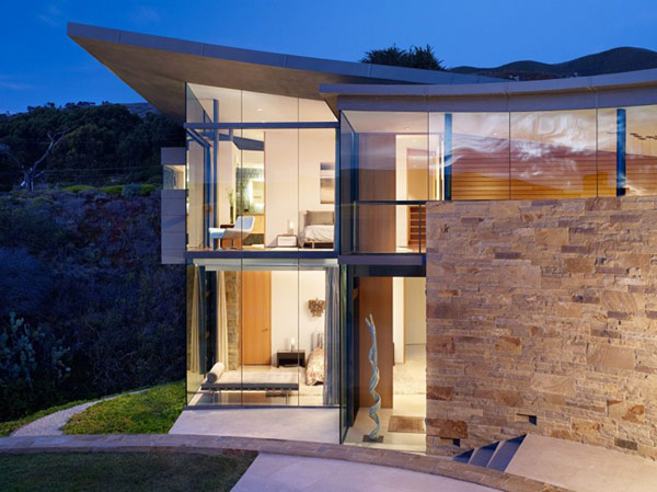 home perched on a cliff with ocean views 1 glass walls Otter Cove Residence: Stunning Modern Home on the Coast of California