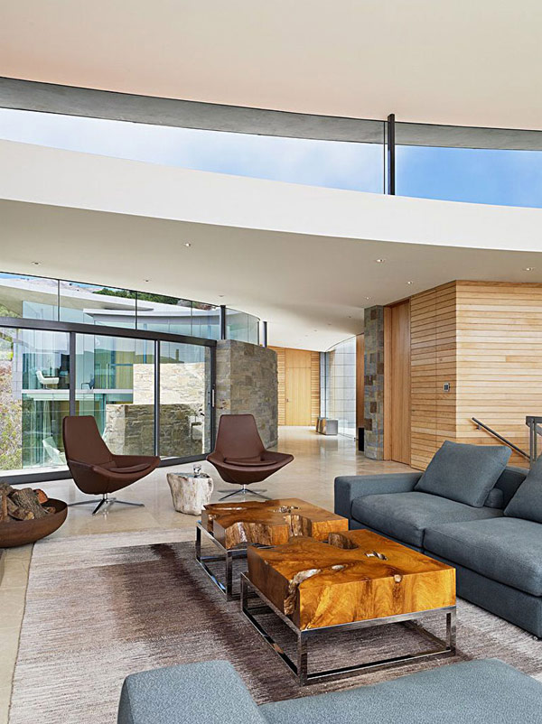home-perched-on-a-cliff-with-ocean-views-6-contemporary-living-room