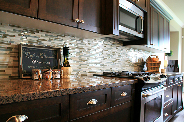 luxury kitchen backsplash glass tiles