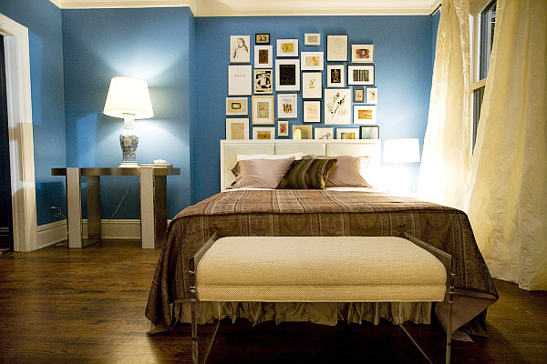 modern bedroom with blue walls decoist