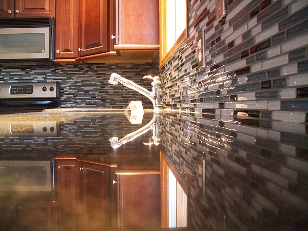 Modern kitchen backsplash glass tiles decoist Modern kitchen design tiles