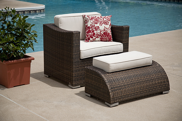 outdoor design choosing elegant patio furniture. Black Bedroom Furniture Sets. Home Design Ideas