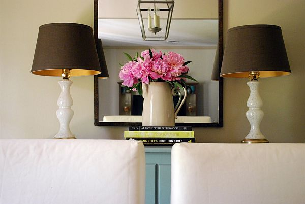 wall-mirror-makes-room-look-larger