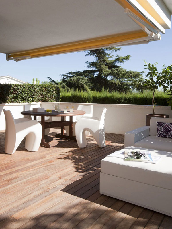 white-contemporary-home-in-spain-8