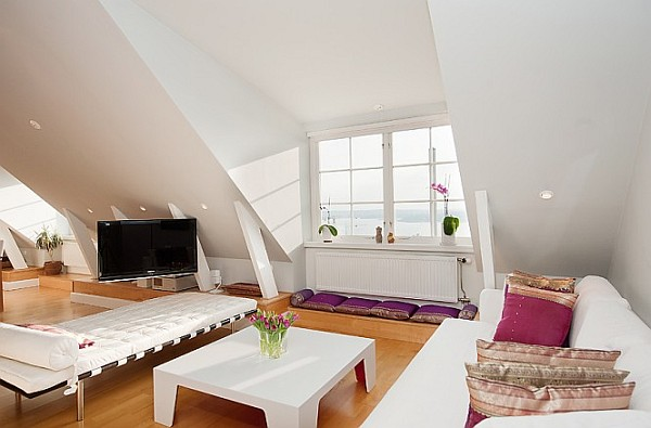 Stockholm attic apartment charms with its steep ceilings for Attic room decoration
