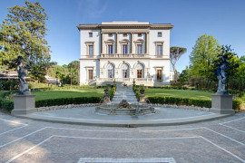 Aristocratic Living: Grand Hotel Villa Cora in Florence