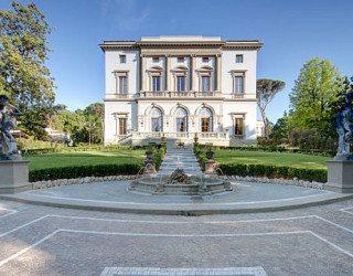 Aristocratic Living: Grand Hotel Villa Cora in Florence