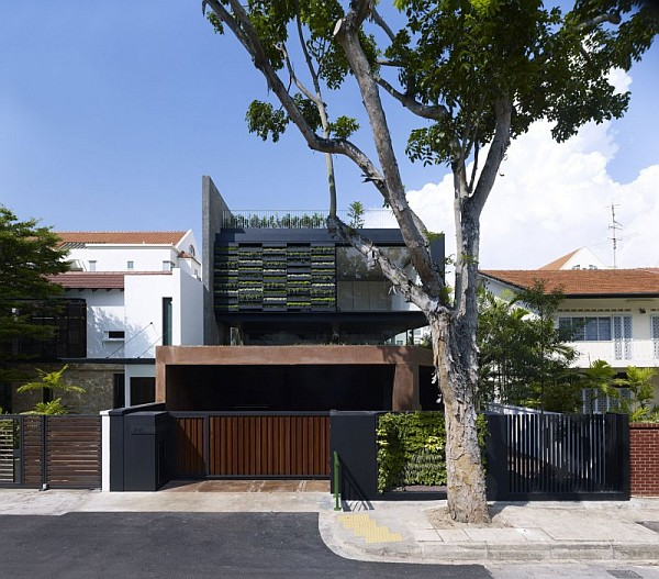 Maximum Garden House by Formwerkz Architects 2 Contemporary Home in Singapore With Sloping Rooftops and Vertical Gardens